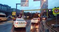 ŞİDDETLİ RÜZGAR - Şiddetli Yağışın Ardından Dolmabahçe Tüneli Bir Süre Kapandı