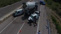 Sinop'ta 2 Otomobil Çarpıştı Açıklaması 3 Yaralı