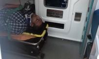 TAKSIM - Şişli'de Ticari Taksi Beton Bariyerlere Çarptı Açıklaması 1 Yaralı