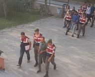 UYGUR TÜRKÜ - Aracın Önünü Kesip 85 Bin Lira Gasp Eden 5 Kişi Gece Kulübünde Yakalandı