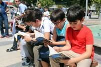 ANADOLU GENÇLIK DERNEĞI - Elazığ'da Zamansız Ve Mekansız Kitap Okuma Etkinliği