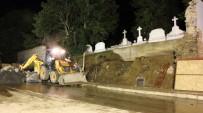 ERMENI - İstanbul'da Ermeni Mezarlığının Duvarı Çöktü