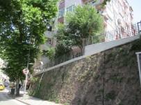 KORKULUK - İzmit Belediyesi'nin Çalışmaları Sürüyor