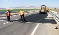 KARAYOLLARı GENEL MÜDÜRLÜĞÜ - Karasu Köprüsündeki Kazalara Davetiye Çıkaran Çatlaklar Onarıldı