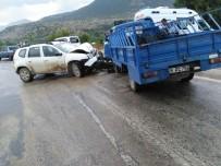 HAVA YASTIĞI - Sarıcakaya'da Trafik Kazası Açıklaması 1 Yaralı