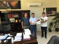 ÖĞRETMEN ATAMALARI - Van'a Yeni Atanan Öğretmenler Çiçeklerle Karşılandı