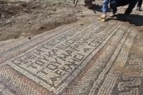 KAÇAK KAZI - Adıyaman Valiliğinden Mozaiklerin Taşınmasıyla İlgili Açıklama
