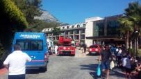 İTFAİYE MERDİVENİ - Antalya'da Otel Yangını