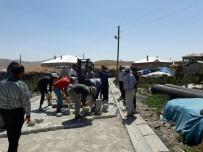 YAZ MEVSİMİ - Çaldıran'da Yol Yapım Çalışması