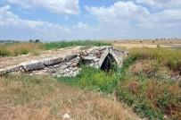 KARAHASAN - Defineciler Tarihi Zannettikleri Köprüyü Talan Etti
