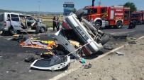 YıLMAZ ŞIMŞEK - Denizli'de Feci Kaza Açıklaması 1 Ölü, 7 Yaralı