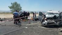 YıLMAZ ŞIMŞEK - Denizli'de Korkunç Kaza Açıklaması 1 Ölü, 7 Yaralı