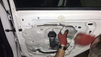 SERBEST BÖLGE - Aracın Kaportasında 40 Kilo Esrar Ele Geçirildi