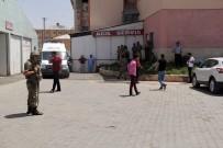 YARALI ASKERLER - Askeri araca saldırı: 2 asker yaralı