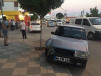 TUANA - Bozüyük'te 2 Otomobil Çarpıştı 3 Kişi Yaralandı