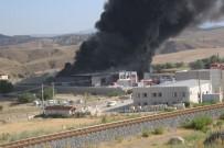 İTFAİYE ERİ - Katı atık üretim tesisinde büyük yangın!