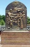 GÜNEY KORELİ - Güney Kore'de 'Özbek Halkına Teşekkür Anıtı' Açıldı