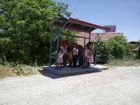 HEKİMHAN - Kırsal Mahallelere 300 Otobüs Durağı