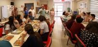 EĞİTİM YILI - Manavgat Belediyesi'nden Kız Öğrencilere Yaz Kampı