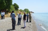 ARİF KARAMAN - Mehmetçik'in Katılımıyla Van Gölü Sahilinde Temizlik Kampanyası