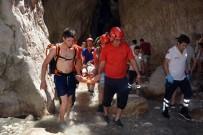KANYON - Saklıkent Kanyonu'na Düşen Tatilci 1 Saatte Kurtarıldı