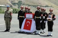 HAKKARİ VALİSİ - Şehit Uzman Çavuş Sezer İçin Uğurlama Töreni