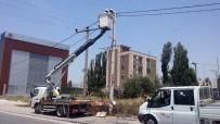 ELEKTRİK KESİNTİSİ - Sıcaktan Kopan Elektrik Teli Yangın Çıkardı
