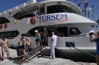FERİBOT SEFERLERİ - Sığacık-Sisam Seferleri Turizm Ve Ticareti Pekiştiriyor
