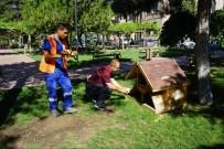 NEVŞEHİR BELEDİYESİ - Sokak Hayvanları İçin Park Ve Bahçelere Suluk Yerleştirildi