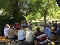 ŞUURLU ÖĞRETMENLER DERNEĞI - Şuurlu Öğretmenler Piknikte Bir Araya Geldi