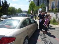 ELEKTRİK DİREĞİ - Doludan Araçları Hasar Gören Vatandaşlar İtfaiye Merkezine Akın Etti