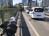 BÜYÜKDERE - Güçlendirmek İçin Viyadüğe Koyulan Kasis Kazaya Neden Oldu Açıklaması 2 Polis Yaralı