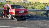 CENAZE ARACI - İki Araç Kafa Kafaya Çarpıştı Açıklaması 1 Ölü, 2 Yaralı