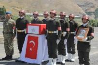 SAYGI DURUŞU - Kaza Kurşunu İle Şehit Olan Asker Memleketine Uğurlandı