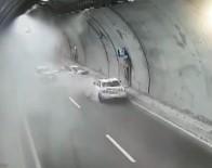 EHLİYETSİZ SÜRÜCÜ - Tünelde Zincirleme Kaza Açıklaması 1 Ölü, 5 Yaralı