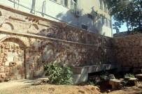 KAÇAK KAZI - Antalya'da Kaçak Antik Tiyatro Kazısı İddiası