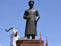 ATATÜRK HEYKELİ - Atatürk heykeline saldıran şahıs tutuklandı