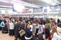 SIDNEY - Avustralya Havaalanlarında Terör Endişesi Büyük Kuyruklar Oluşturdu