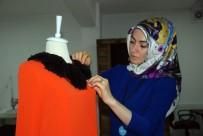 Çocuk Yaşlarda Bebeklerine Kıyafet Diken Genç Kadın Modacı Oldu