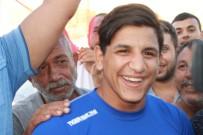 İBRAHIM YıLDıZ - Dünya Şampiyonuna Davullu Zurnalı Karşılama