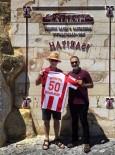DINLER - KAPTİD Başkanı Dinler İngiltere Büyükelçisine Nevşehirspor Forması Hediye Etti
