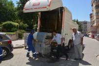 ÇÖP KONTEYNERİ - Şehzadeler'de Çöp Konteynerleri Dezenfekte Ediliyor