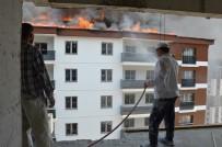 12 Katlı Binanın Yanan Çatısı Korku Dolu Anlar Yaşattı