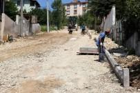 ONARIM ÇALIŞMASI - Başiskele'de 2 Sokak Daha Parke Taşlarıyla Kaplanıyor