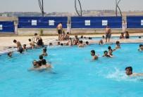 AHMET YESEVI - Haliliye Belediyesinden Vatandaşlara Ücretsiz Havuz