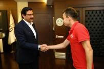 KEÇİÖREN BELEDİYESİ - İşitme Engelli Milli Sporculardan Başkan Ak'a Teşekkür Ziyareti