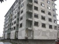 17 AĞUSTOS - İzmit'te 20 Ağır Hasarlı Bina Yıkılmayı Bekliyor
