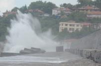 ŞİDDETLİ RÜZGAR - Karadeniz'de Şiddetli Fırtına