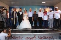 YARıMCA - Kılıçdaroğlu, Yürüyüşün Sonunda Nikah Şahitliği Yaptı