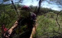 PARAŞÜTÇÜ - Paraşütçünün Ağaçlara Çakılması Anbean Görüntülendi